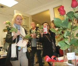Rose Day attracts 600-plus to State Capitol
