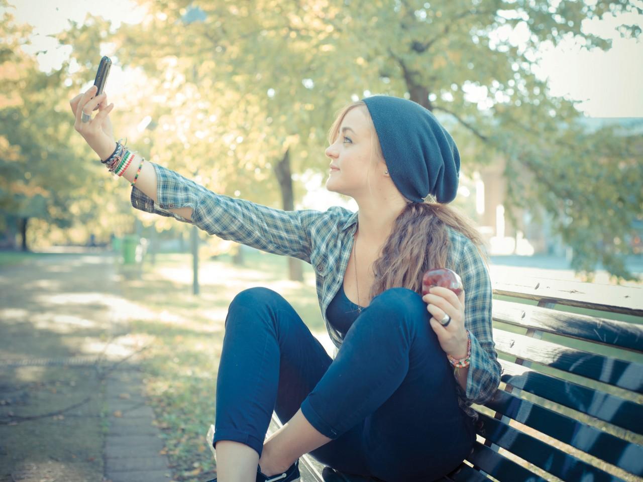 Conventional Thinking: 'Selfie'-destruction