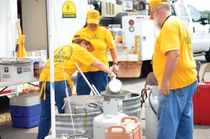 With a trained volunteer force of more than 5,500, Oklahoma Baptist disaster relief prepared more than 200,000 meals served to victims and volunteers in the wake of the May 2013 tornadoes (Photo: Bob Nigh)