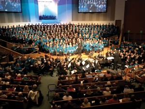 An estimated crowd of 2,400 attended The Applause of Heaven concert on Feb. 12 at Edmond, First (Photo: Stuart Holland)