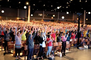 More than 2,500 women attended the Women's Retreat, enjoying worship with Marcy Priest (Photo: Tiffany Zylstra)