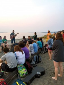 GoStudents in Seattle rally at the beach for special time of worship. (Photo: Provided)