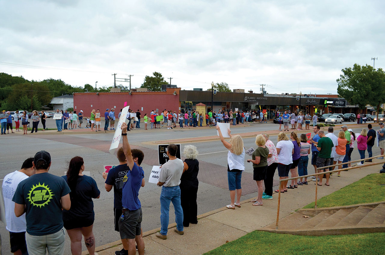 PP protest draws 300 in Oklahoma City