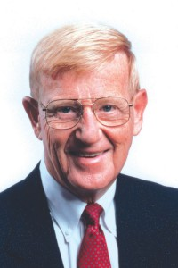 (photo: provided) Lou Holtz, legendary football coach and ESPN analyst (2004-2015), will be the featured speaker during the fourth annual Oklahoma Baptist University Green and Gold Gala Tuesday, March 1, 2016, at the National Cowboy and Western Heritage Museum