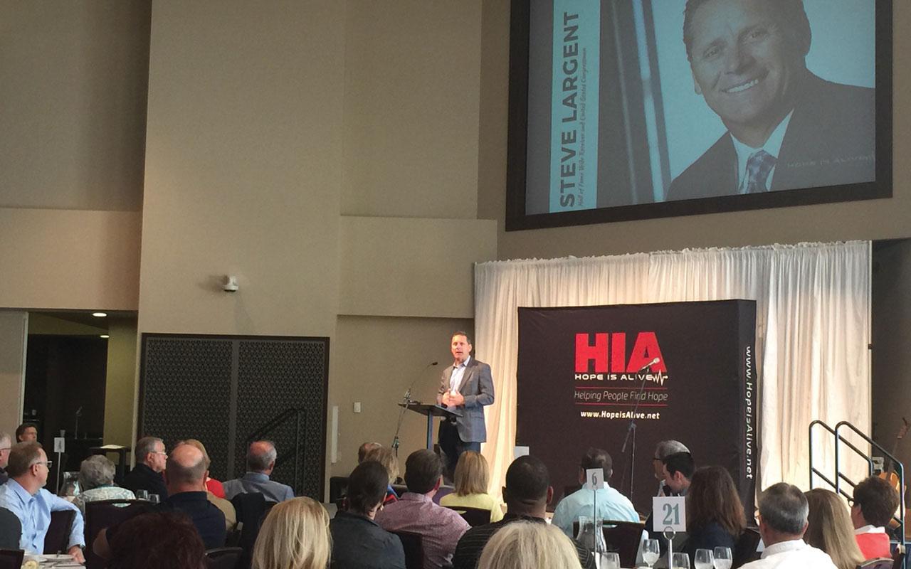 Steve Largent speaks at Hope Is Alive event