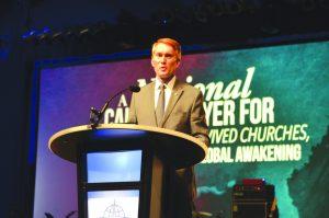 Oklahoma U.S. Senator James Lankford speaks at the SBC meeting during A National Call to Prayer (Photo: Chris Doyle)