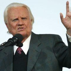 Legendary evangelist Billy Graham dies at 99
