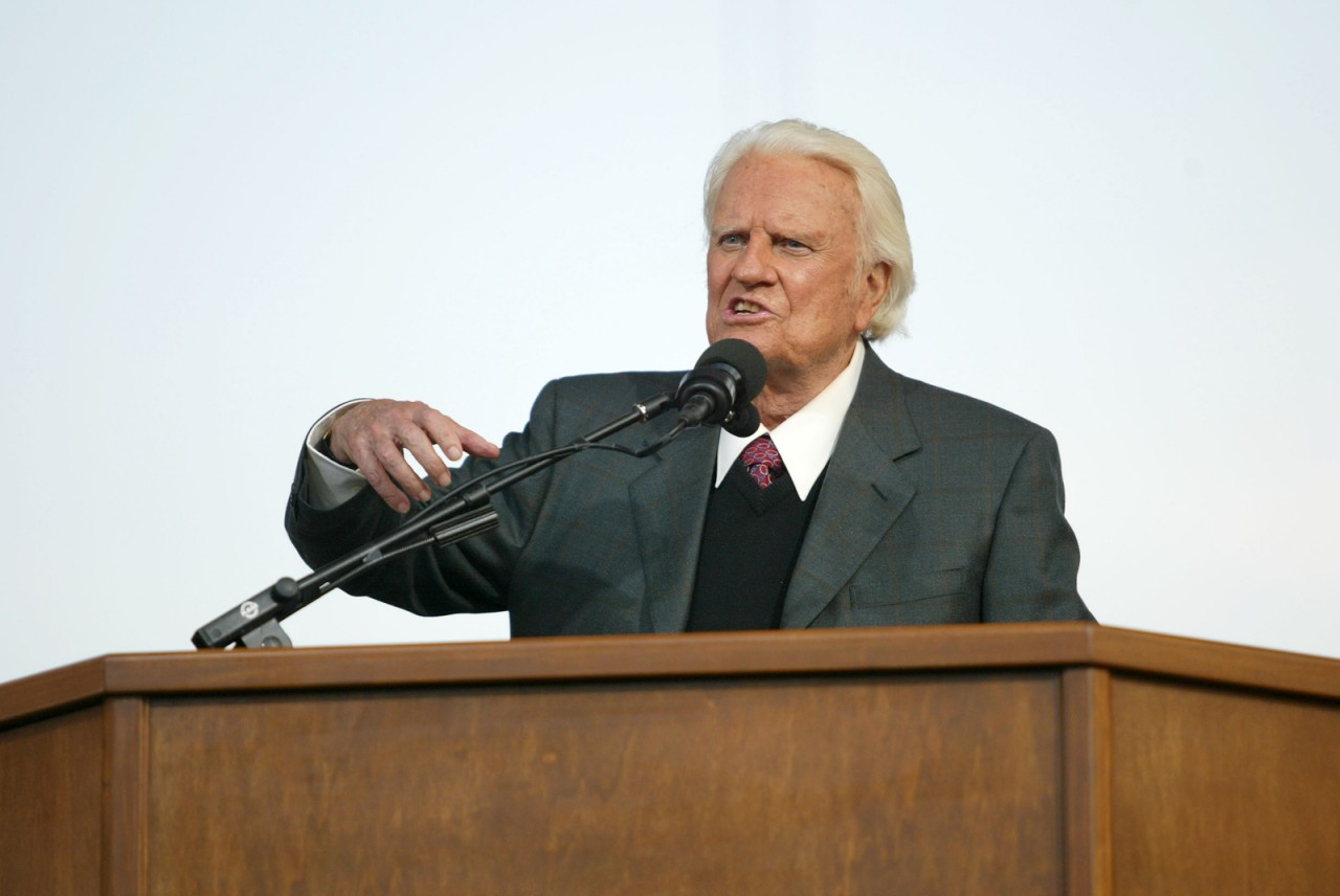 Legendary evangelist Billy Graham dies at 99
