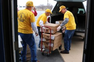 Disaster Relief volunteers prepare meals for group of federal employees affected by shutdown - Baptist Messenger of Oklahoma 1