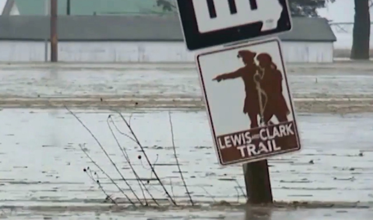 Midwest flood response 'to take a long time'