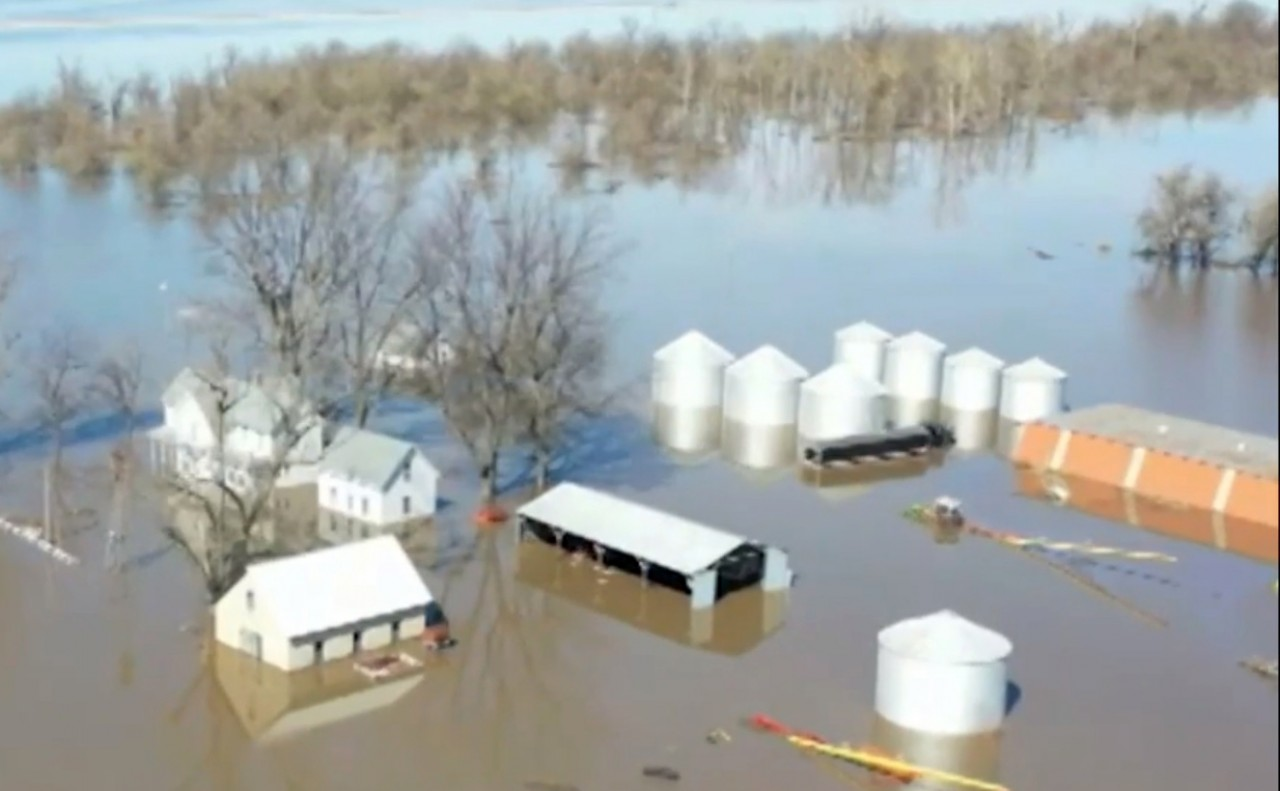 Midwest recovery begins as additional flooding looms