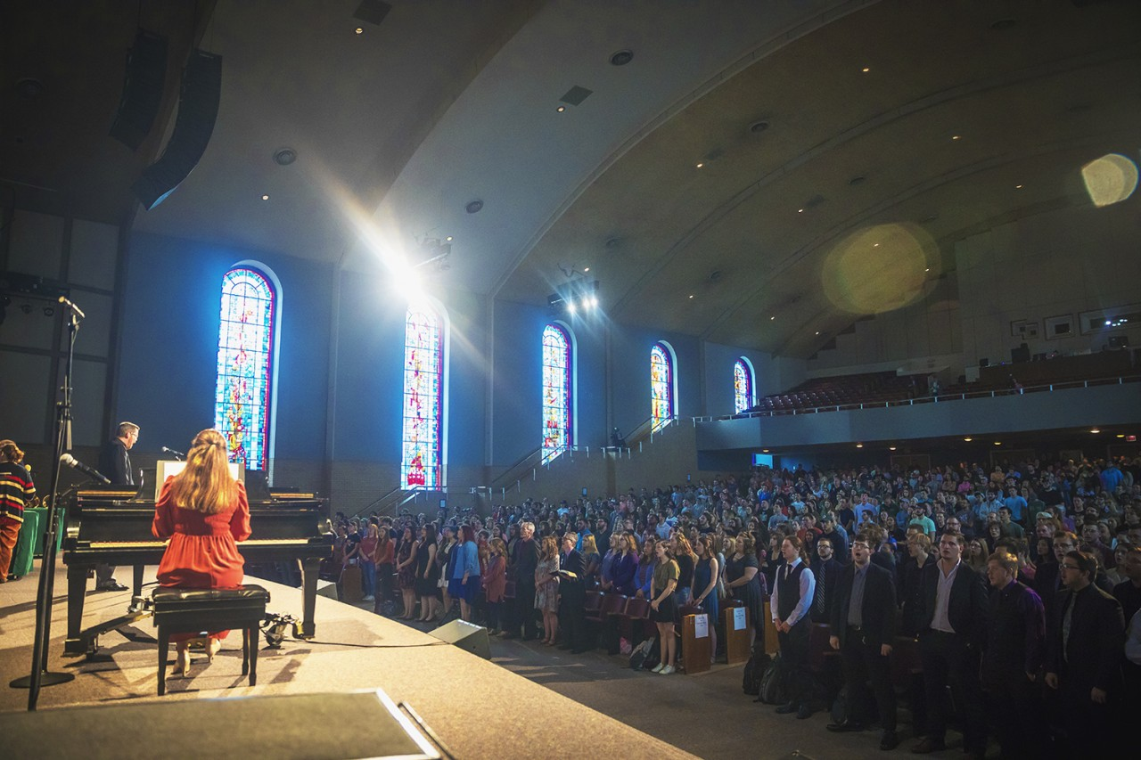 OBU campus worships together during Holy Week chapel