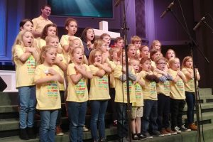 Kids choir learning hymns by heart at OKC church - Baptist Messenger of Oklahoma 1