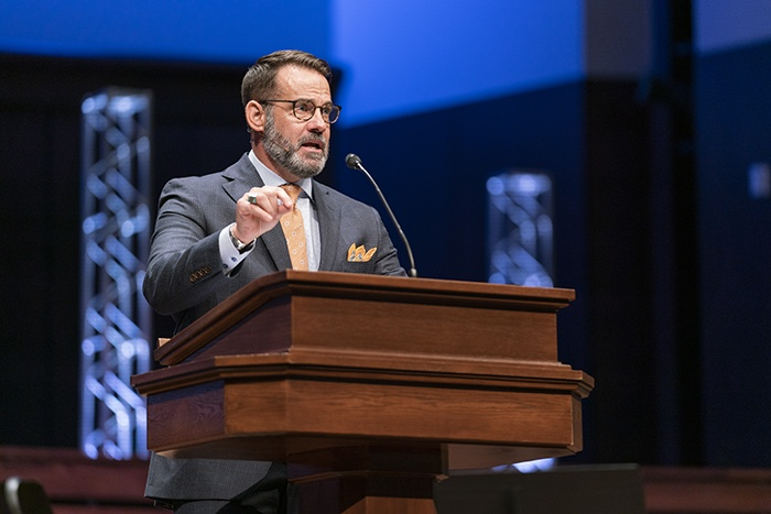 Avoid temptation to veer from Gospel preaching, Oklahoma Baptists' president exhorts