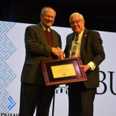 OBU presents J.M. Carrol Award to Alton Fannin at Oklahoma Baptists' annual meeting