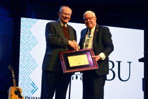 OBU presents J.M. Carrol Award to Alton Fannin at Oklahoma Baptists' annual meeting - Baptist Messenger of Oklahoma 1