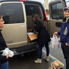 Nashville church loves neighbors with Thanksgiving meals